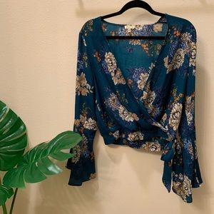 Cropped Belle Sleeve Blouse